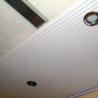 Как произвести монтаж панелей пвх на потолок, порядок работ