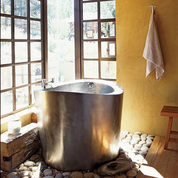 Небольшие ванные из металла