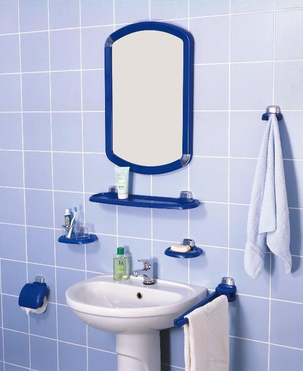 Пластиковые аксессуары в ванную