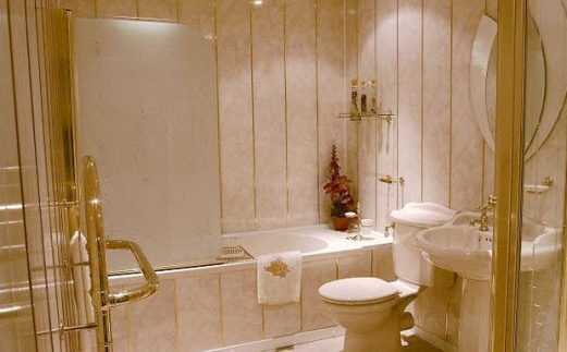 Просто и красиво - панели в ванной