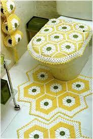 Ромашковый набор ковриков в ванную комнату