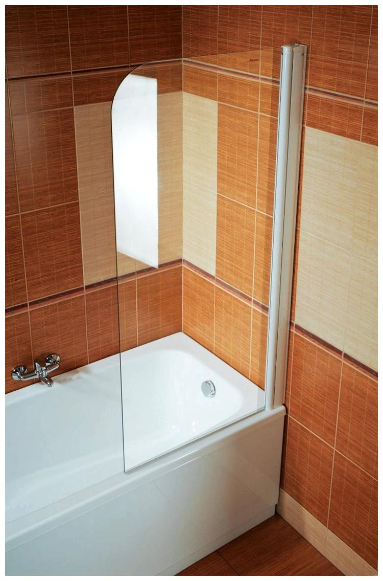 Ширма из стекла в помещении ванной.