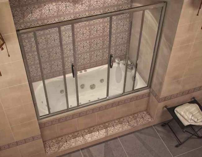 Стеклянные красивые шторки для ванной