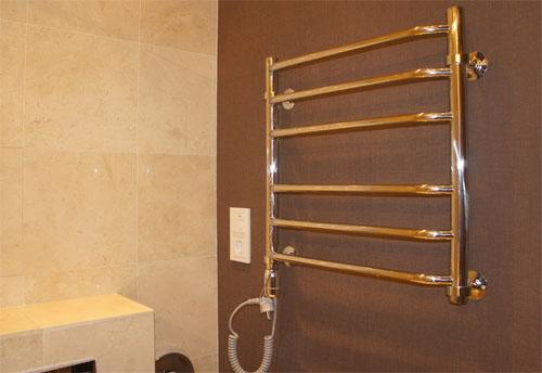 Значение полотенцесушителей для ванных комнат сложно переоценить