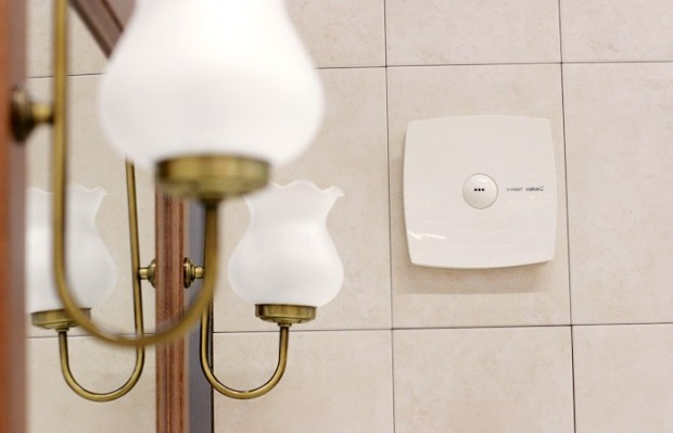 Борьба с шумом выступает актуальной задачей при выборе и монтаже вытяжных вентиляторов для ванной