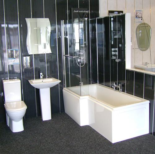 Черные пластиковые панели в ванную