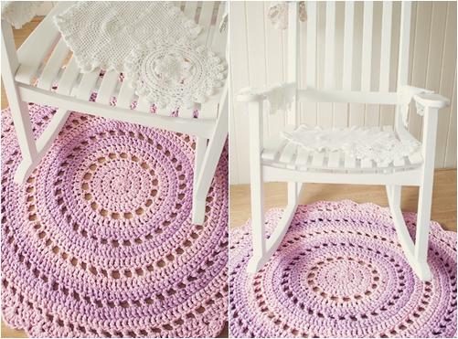 Готовый вязанный коврик