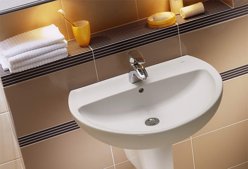 Стандартный умывальник в ванную