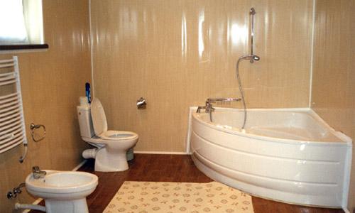Дизайн ванной, при отделки которой использовались пластиковые панели