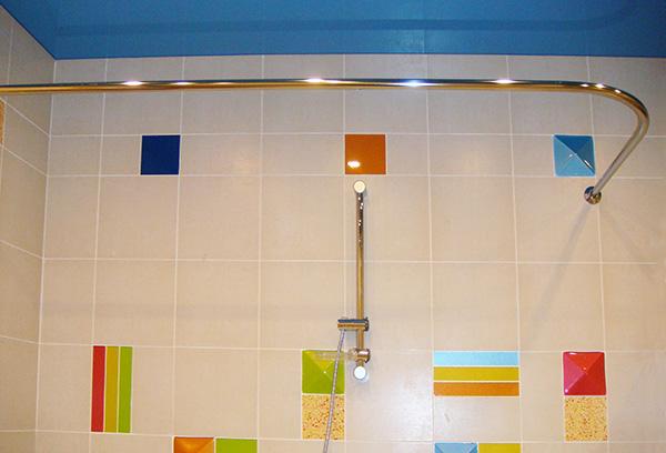 Штанга в ванную для шторки