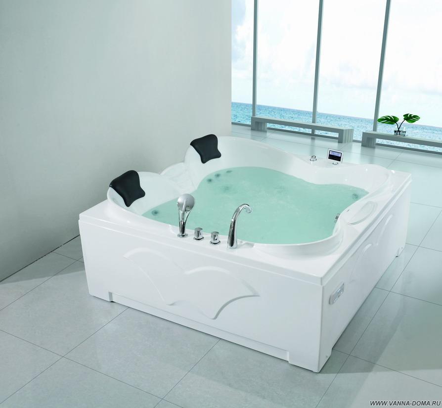 Квадратная ванна с гидромассажем