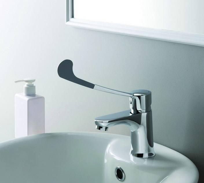 Локтевой смеситель для ванны