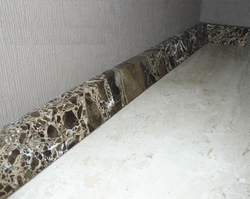Мраморный плинтус для ванной