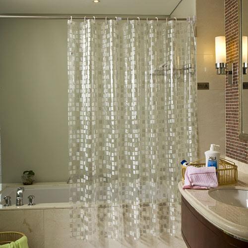 Особенно интересно выглядят в ванной полиэтиленовые прозрачные шторки