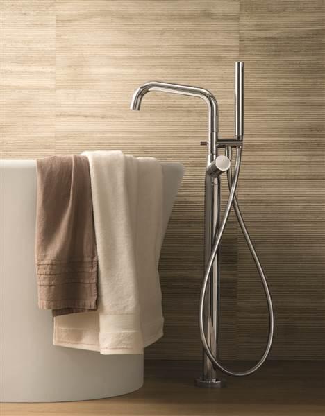 Смеситель для ванны напольный хромированный