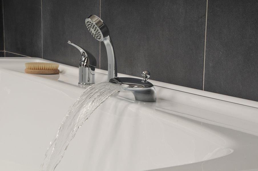 Смеситель в ванную, различные модели