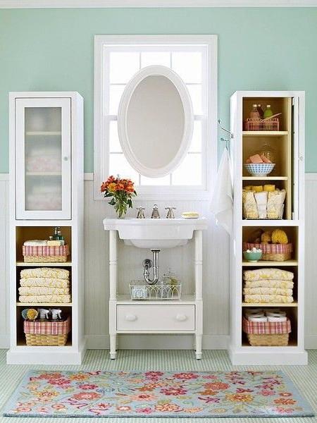 Стеллажи и пеналы для хранения вещей в ванной комнате