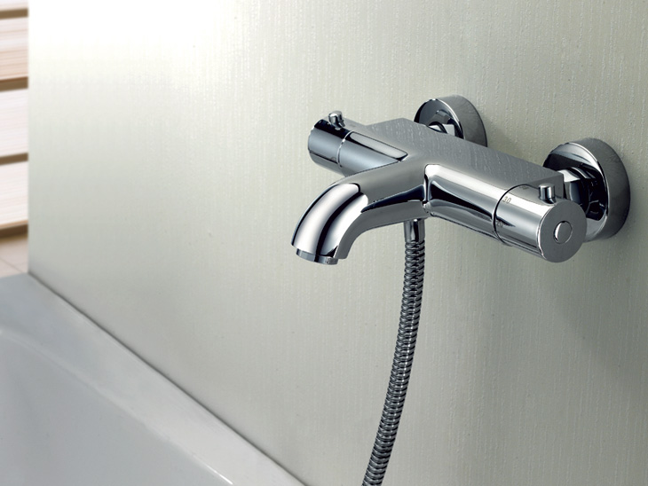 Термостатный смеситель для ванной