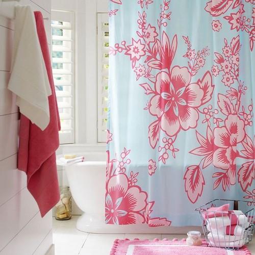 Выбирая тканевые шоры для ванной, особое внимание обращайте на их прозрачность