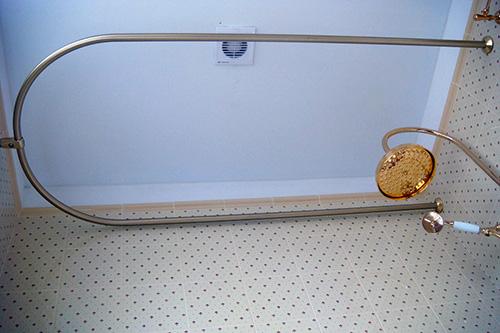 Выбор карнизов для ванной