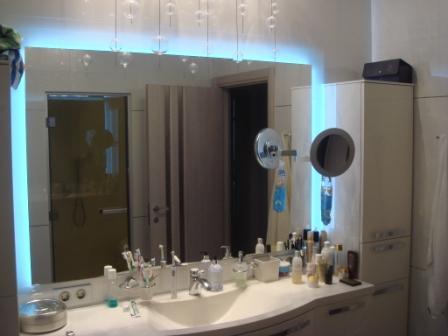 Зеркала для ванной с внутренней подсветкой