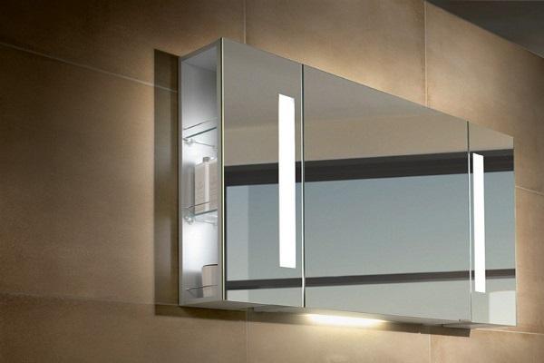 Зеркало с подсветкой и шкафчиком