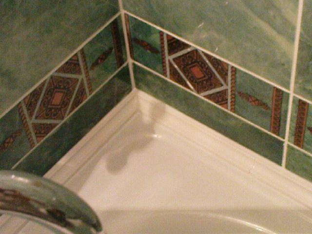 Плинтус в интерьере ванной