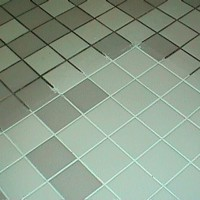 Как очистить швы плитки от плесени в ванной