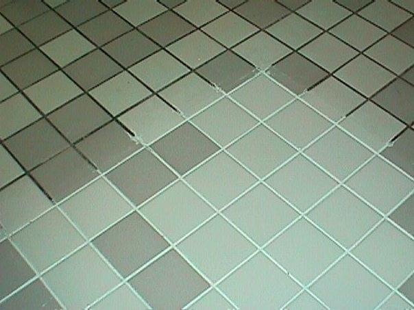 Налет и плесень на плитке в ванной