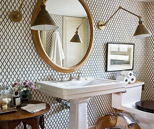 Облицовка стен в ванной обоями