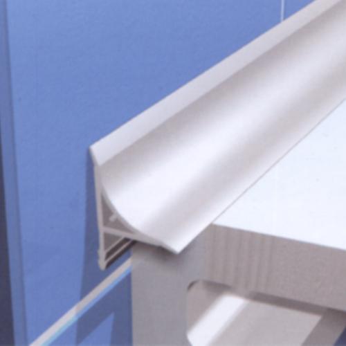 Пластиковый плинтус для ванной