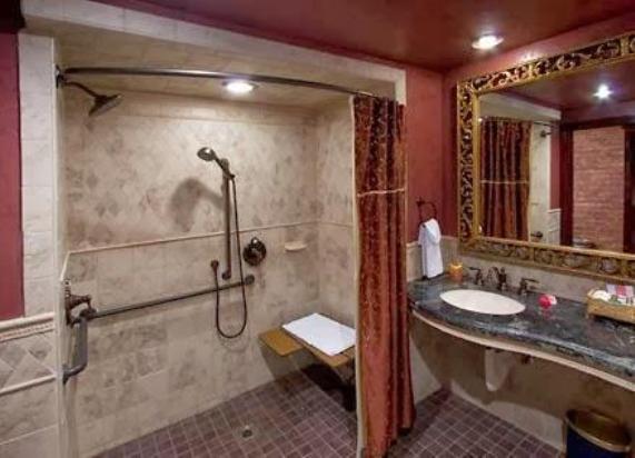 Полукруглый карниз для ванны
