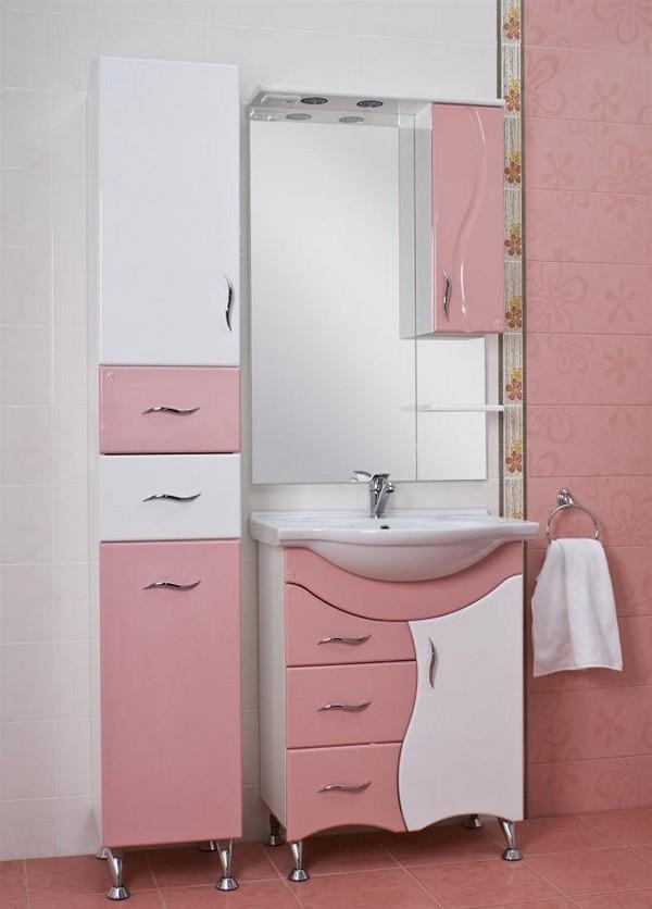 Пристенный пенал в ванную