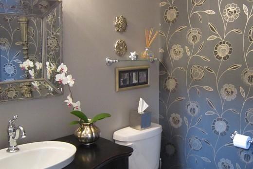 Цветочная тематика в оформлении ванной