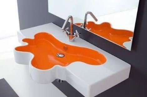 Асимметричная раковина в ванной