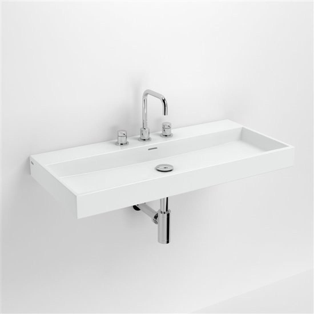Белые предметы мебели для ванной