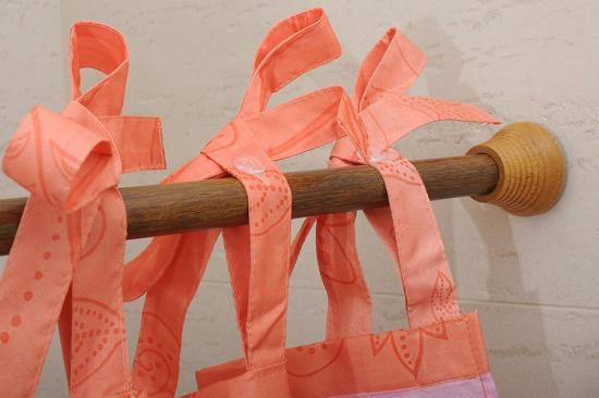 Элегантная модель деревянной штанги для штор
