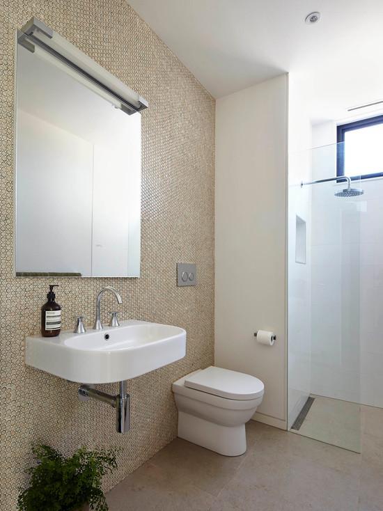 Оригинальная подвесная раковина для ванной, выполненной в рустикальном стиле