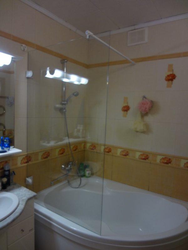 Шторка для небольшой ванной