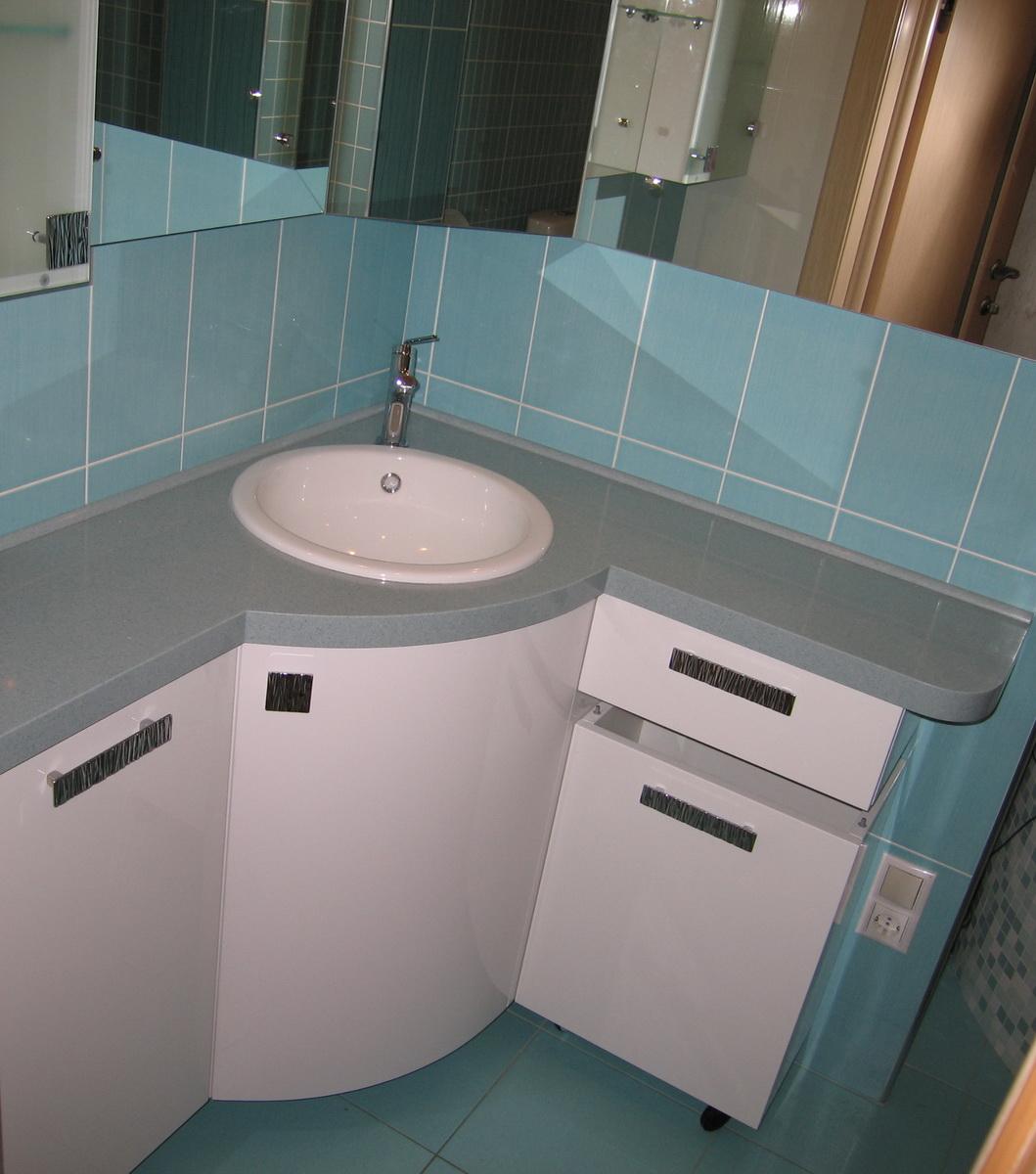 Угловая радиусная мебель для ванной
