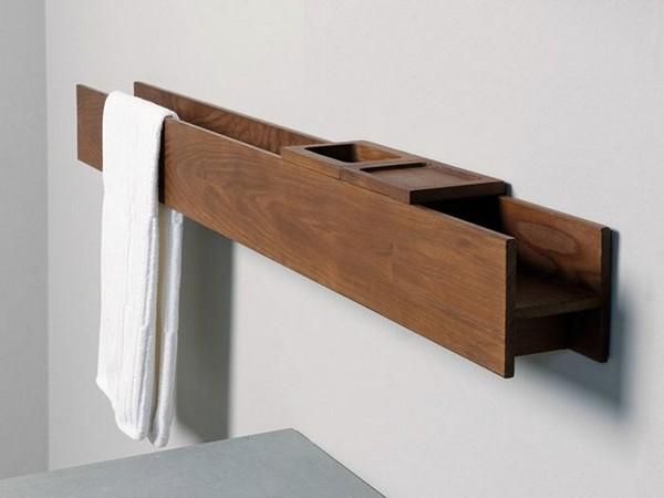 Вешалка для полотенец с деревянной полкой