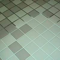 Чем очистить в ванной швы между плиткой