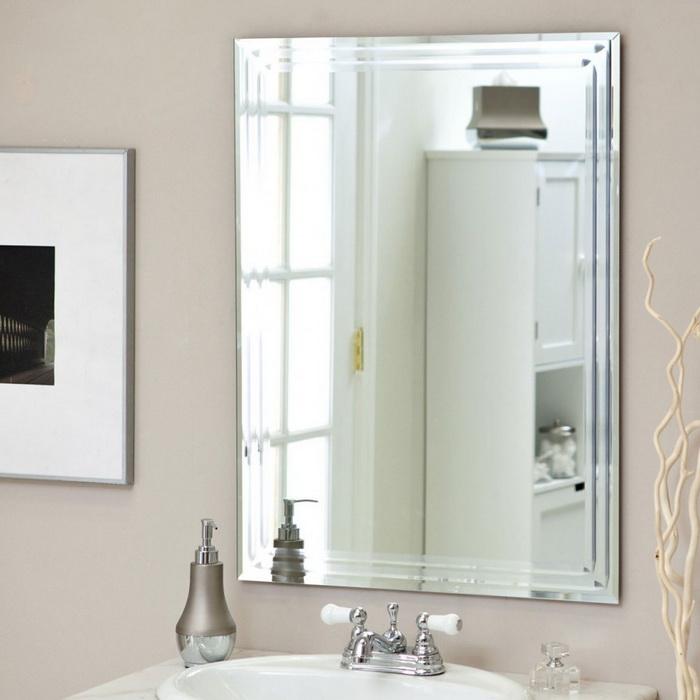 Отдельное место занимают зеркала
