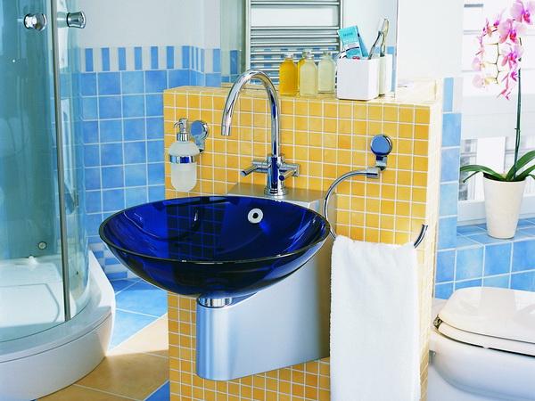 Синие накладные стеклянные раковины для ванной комнаты