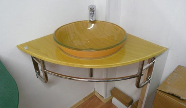 Стеклянная раковина овальной формы