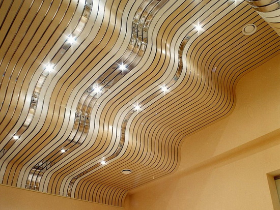 Дизайнерский потолок для ванной