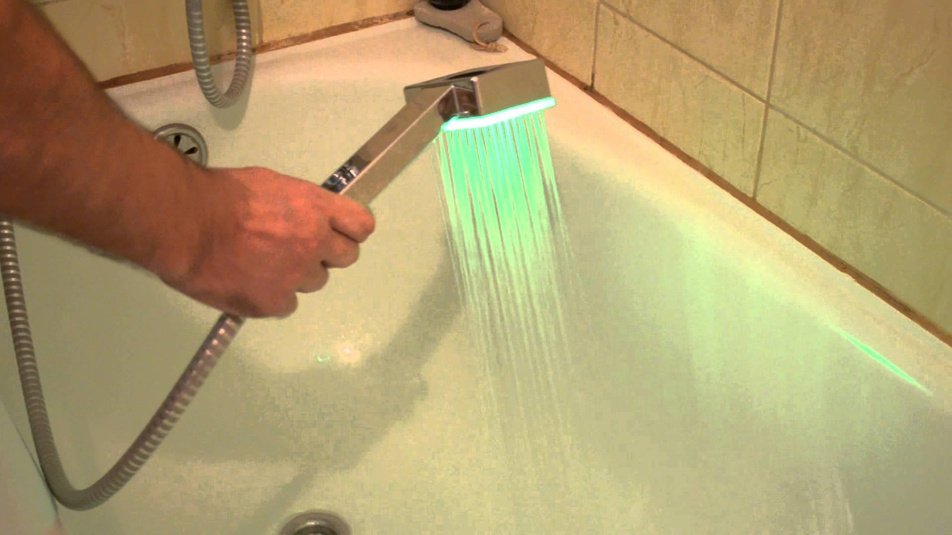 Лейка для душа с подсветкой воды