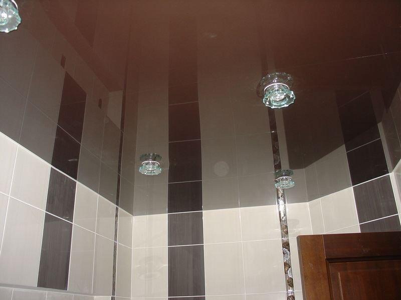 Натяжные потолки в ванную и туалет
