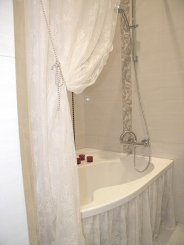 Сшить штору в ванную