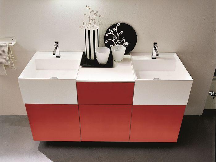 Тумба под раковину в ванную в бело красном цвете